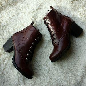 {XOXO} NWOT Oxblood Triple Star Heeled Boots